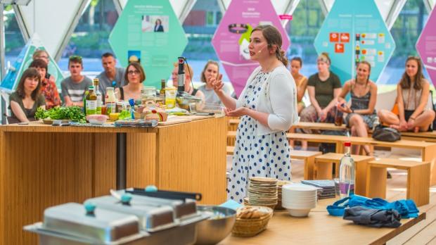 Iss dich glücklich – spannende Food-Facts mit Live-Cooking